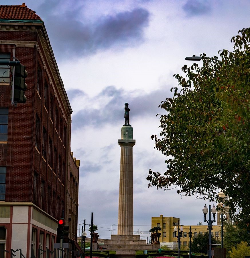 Lee Monument in New Orleans